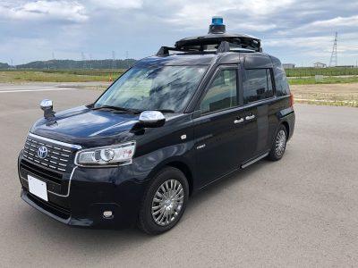 西新宿 自動運転タクシー実証実験 走行車両