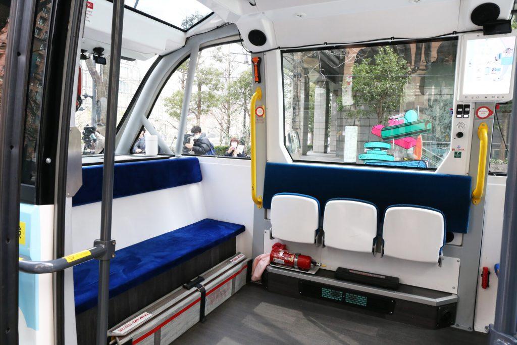 丸の内 自動運転モビリティの実証実験 車内イメージ